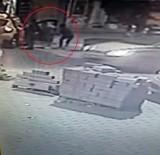 KAPKAÇ - (Özel) Taksim'de Kadına Kapkaç Şoku Kamerada