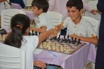 SATRANÇ TURNUVASI - Satranç Şampiyonları Ödüllerini Aldı