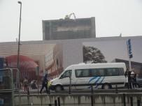 TAKSIM MEYDANı - Taksim'e Sis Çöktü