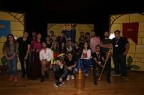 KRAL ÇıPLAK - Tokat Belediyesi Şehir Tiyatrosu Sezonun Son Oyununu Sahneleyecek