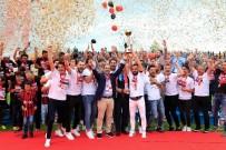 UŞAKSPOR - UTAŞ Uşakspor Şampiyonluk Kupasını Kaldırdı