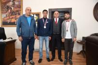 ALİ KORKUT - Yakutiye'nin Gümüş Gençleri Başkan Korkut'u Ziyaret Etti