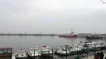 HAVA MUHALEFETİ - Yoğun Sis Deniz Ulaşımını Aksattı