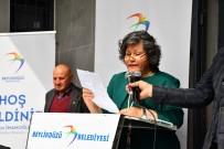 MEHMET OKUR - Beylikdüzü 'Nde 'Mahallemiz Büyükşehir Muhtarlık Ve Belediye Çözüm Merkezi' Açıldı