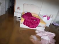 Bingöl'de Yağış Etkili Oldu, Bazı Bodrum Katları Su Bastı
