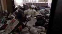 Bu Evden 15 Ton Çöp Çıktı