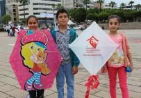 FATMA BETÜL SAYAN KAYA - Hatay'da Türk Ve Suriyeli Çocuklar Uçurtma Şenliğinde Kaynaştı