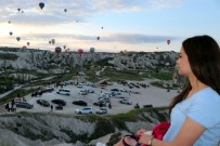 YABANCI TURİST - Kapadokya'yı Nisan Ayında 320 Bin 287 Turist Ziyaret Etti