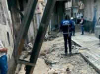 ELEKTRİK DİREĞİ - Sel Vurdu, Dicle Hemen Onardı