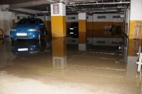 Su Basan Otoparkta Araçlar Mahsur Kaldı