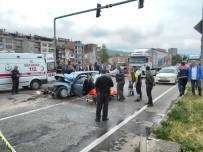 FARABI - Trabzon'da Trafik Kazası Açıklaması 1 Ölü, 1 Yaralı