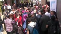 İSTİHDAM FUARI - Trabzonsporlu Futbolcular İmza Gününde