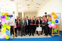 PEYAMİ BATTAL - YYÜ'de 'Nursing Now' Sergisi