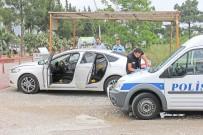 PARMAK İZİ - Adliye Önünde Bekleyen Şüpheli Araçtan 2 Adet Tabanca Çıktı