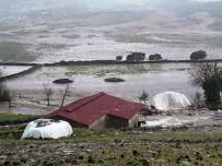 Ergani'de Dere Taştı Açıklaması 5 Hayvan Telef Oldu