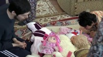 SEVINDIK - EVLADA ADANAN ÖMÜRLER - Engelli 3 Çocuğuna Gözü Gibi Bakıyor