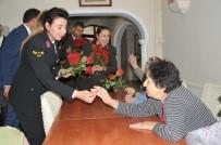 UZMAN JANDARMA - Jandarmadan Huzurevine 'Anneler Günü' Ziyareti