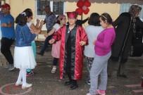 ENGELLİ ÖĞRENCİ - Özel Çocuklardan Mezuniyet Coşkusu