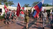 KEMER BELEDİYESİ - Ruslar Antalya'da 'Zafer Günü'nü Kutladı