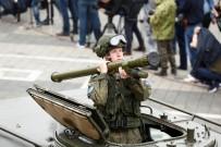 MOTOR SPORLARI - Rusya'da 600 Bin Kişi İkinci Dünya Savaşı'nın Yıl Dönümde Yürüdü