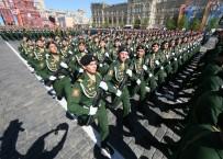 ASKERİ BİRLİK - Rusya 'Zafer Bayramı'nı Kutladı
