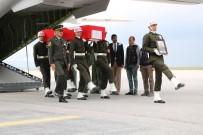 KARGO UÇAĞI - Şehit Piyade Uzman Onbaşı Furkan Peker'in Cenazesine Hüzünlü Karşılama