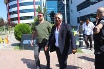 SİVİL POLİS - Adliye Koridorlarında Kan Aktı Açıklaması 4 Yaralı