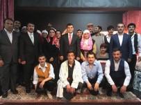 Anadolu Lisesi Öğrencilerinden Tiyatro Gösterimi