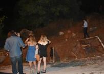 EHLİYETSİZ SÜRÜCÜ - Antalya'dan Yola Çıkan Ehliyetsiz Sürücü 320 Kilometre Sonra Marmaris'te Yakalandı