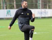 YOUNES BELHANDA - Evkur Yeni Malatyasporlu Khalid Fas Formasıyla İlk On Birde Sahaya Çıktı