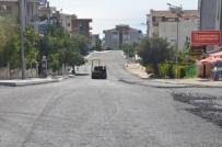 KALDIRIM ÇALIŞMASI - Kuşadası'nda Yol Yapım Çalışmaları Devam Ediyor