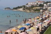 HAVA SICAKLIKLARI - Aydın Ve İlçeleri Sıcaktan Kavruldu, Plajlar Turistlere Kaldı