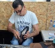 BİRİNCİ SINIF - 40 yıldır el işi ile ayakkabı yapıyor