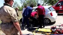 HASANCıK - Adıyaman'da Trafik Kazası Açıklaması 3 Yaralı