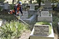 MEZARLIK ZİYARETİ - Ankara Büyükşehir'den Mezarlıklara Bayram Düzenlemesi
