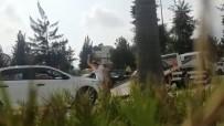 ÇEKIM - Aracı Çekilen Kadın, Hırsını Taşla Aracının Camı Ve Kaportasına Zarar Vererek Aldı