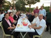 Biga'da Güleçköy Köyü Muhtarlığı Bin Kişiye İftar Yemeği Verdi