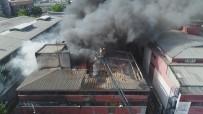 İplik Atölyelerinin Bulunduğu İş Merkezinde Yangın Havadan Görüntülendi