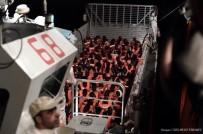 HAMİLE KADIN - İspanya'dan İtalya Ve Malta'nın Reddettiği Mültecilere Yardım Eli