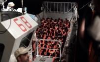 HAMİLE KADIN - İtalya Göçmen Gemisine Limanları Kapattı