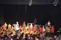 MEHMET TURAN - Kuşadası'nda Drama Kursiyerleri Seyirci Karşısına Çıktı