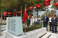 Ömer Halisdemir'in Mezarını Ziyaret Etti