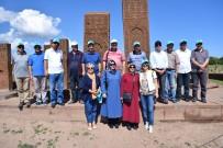 PEYAMİ BATTAL - Rektör Battal, Ahlat Selçuklu Mezarlığını Ziyaret Etti