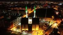 UZAKTAN KUMANDA - Sunrooflu Camiye Kadir Gecesi'nde Yoğun İlgi