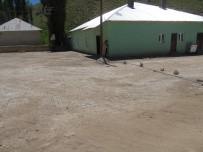 YOL YAPIMI - Başkale'de Parkı Taşı Döşeme Çalışması