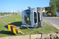 VEZIRHAN - Bilecik'te Yolcu Midibüsü Devrildi; 3 Yaralı