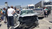 Erzincan'da Trafik Kazası Açıklaması 9 Yaralı