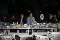 MUHAMMET ÖNDER - Gediz İlçe Jandarma Komutanlığı'ndan Şehit Aileleri Ve Gazilere İftar