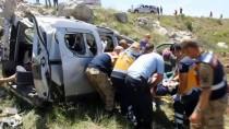 İNŞAAT İŞÇİLERİ - GÜNCELLEME - Sivas'ta Trafik Kazası Açıklaması 1 Ölü, 3 Yaralı