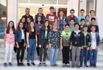 İlkokul Öğretmeninden Mezun Ettiği Öğrencilerine Yıllar Sonra İftar Sürprizi